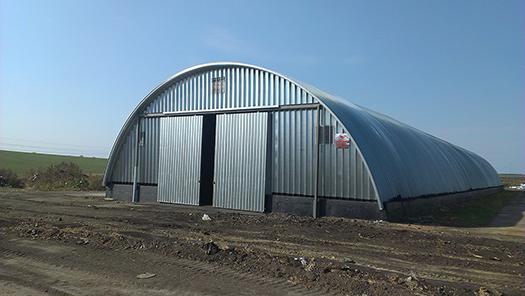 Металлический арочный ангар для сельского хозяйства